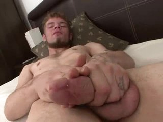 Good beard on a dude that strokes and cums